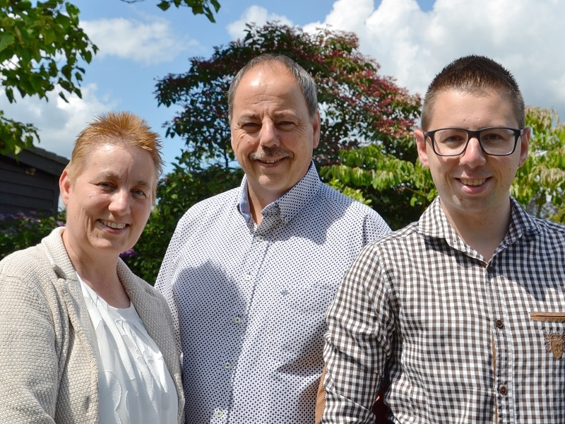Contact: Ellen, Sisco en Chris van Rijn, Van Rijn Exclusieve Tuinprojecten